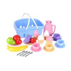 Набор посуды в корзине