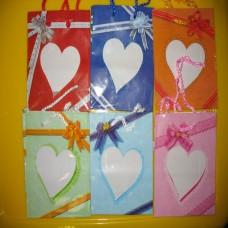 Пакет бумажный вырез сердечком 15*12 валентинка /цена за 12 шт/